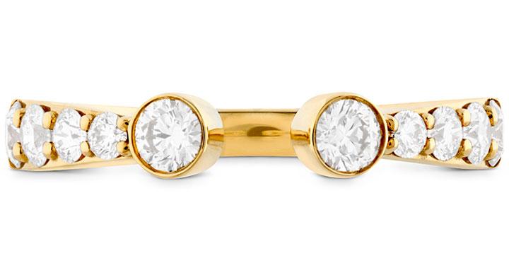 Jennifer Lopez wore Hearts on Fire diamond rings