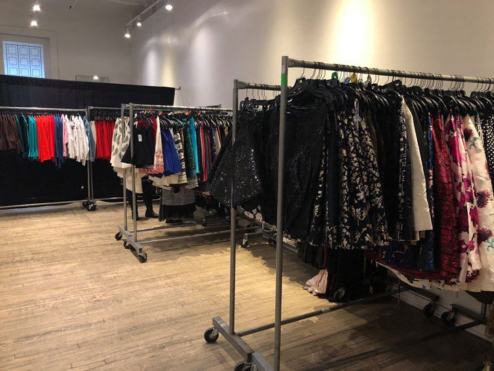 Pics from Inside the Oscar de la Renta Sample Sale