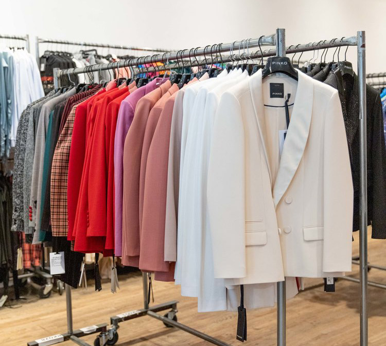Pinko Sample Sale in Images