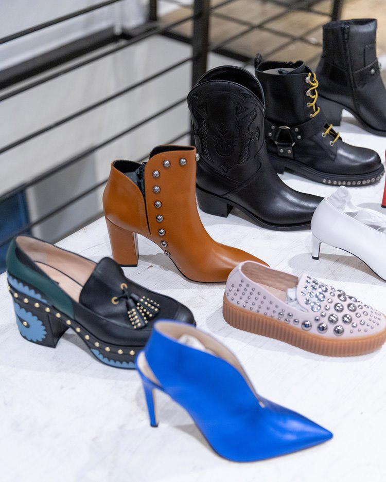 Pinko Sample Sale in Images Footwear