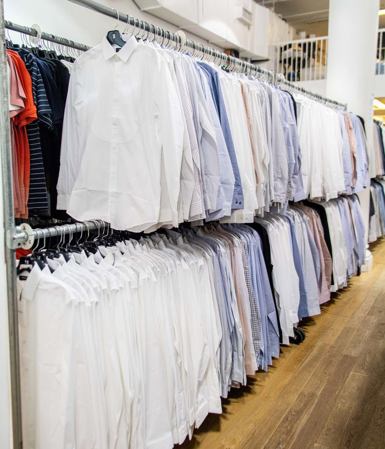 Theory Men's Sample Sale in Images