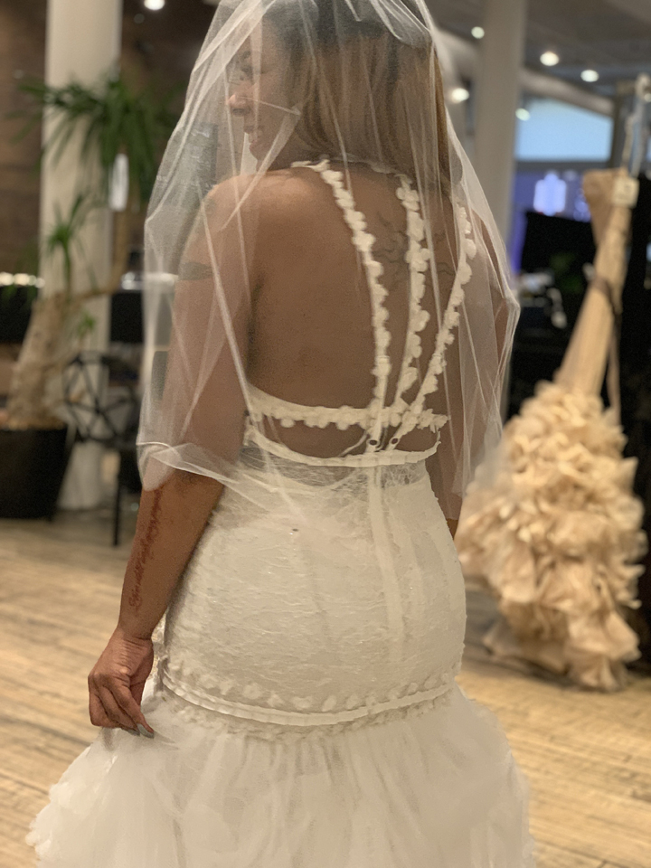 Vera Wang Sample Sale in Images Bridalwear