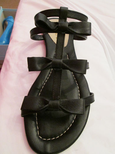 The trendy leather bow sandal