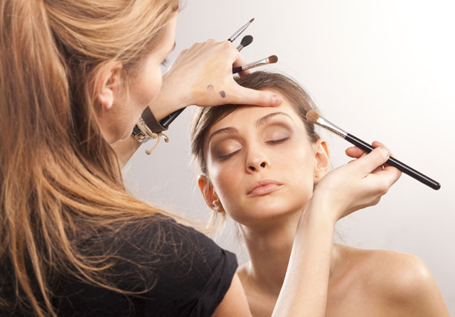Makeup Tips for Extraordinarily Hot Weather