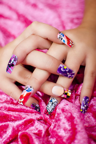 While nail art has the potential to be undoubtedly impressive, site owner Mirela is so over seeing fancified manicures in every magazine or blog she looks at.
