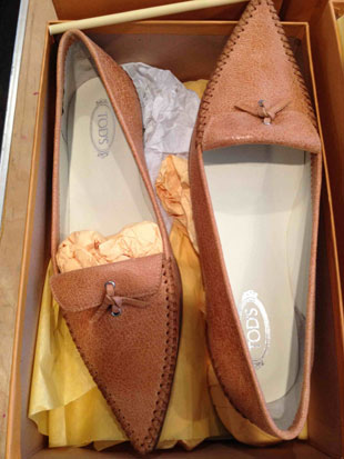 Tod's Coral Cracked Leather Flats ($129)