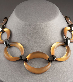 alexis-bittar-sculpted-link-necklace.jpg