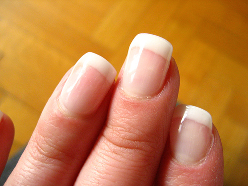 french-manicure-picture.jpg