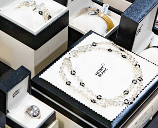 MONTBLANC SAMPLE SALE IN IMAGES