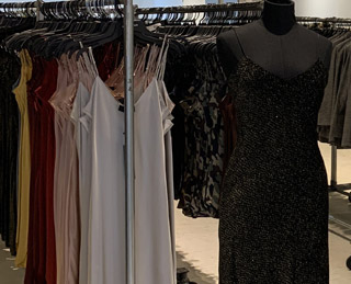 NILI LOTAN SAMPLE SALE IN IMAGES
