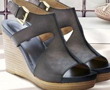 Nude, Black, & Blush Shoes Featuring Me Too Online Sample Sale @ Ruelala.com