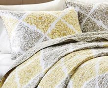Layer the Bed: Colorful Quilts to Cuddly Throws Online Sample Sale @ Ruelala.com
