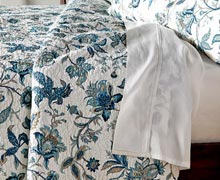 Make a Pretty Bed: Floral & Feminine Bed Linens Online Sample Sale @ Ruelala.com