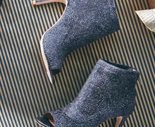 JOIE, Rachel Zoe, & Delman Shoes Online Sample Sale @ Ruelala.com