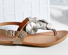 Cushion Your Step: Spring''s Most Comfortable Shoes Online Sample Sale @ Ruelala.com